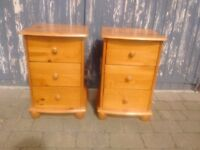 2 wooden bedside tables. 10£ each