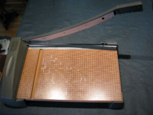 X-ACTO GUILLOTINE CUTTER