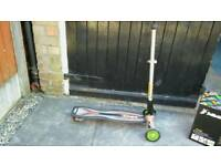 Drift style scooter/skateboard