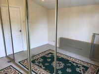 4 Sliding mirrored doors with frame