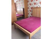 DOUBLE ROOM IN HARROW - NEAR RAYNERS LANE STATION - COUPLE AND SHARERS ACCEPTED