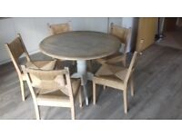 Table & chairs for living room or kitchen
