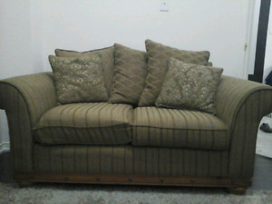 Beautiful COUCHES for cheap