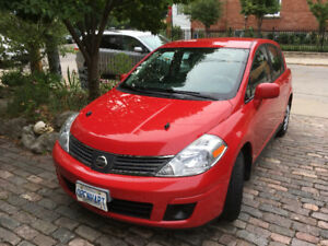 Nissan Versa - Manual - excellent condition