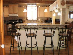 Cottage 3 étages/Maison de Campagne/Fermette Garage 30X20
