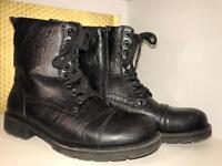 Boots / shoes Men's or boys