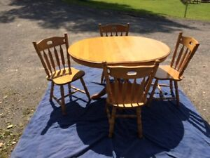 Solid Wood Pedestal Table & 4 Chairs