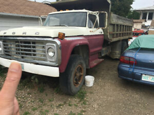 1978 ford single axle gravel truck automatic REDUCED