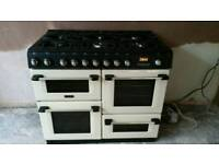 Double oven cooker plus 6 rings