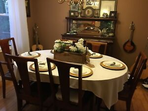 Antique Stratroy Dining Table - with 6 chairs/5leaves