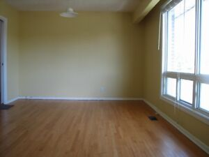 3-bedroom unit at Meadowlands between Prince of Wales and Fisher