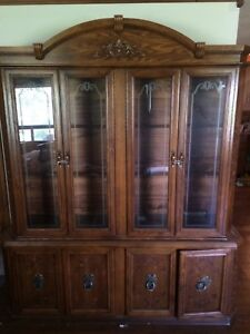 Oak Hutch & Matching Dining room table with 6 chairs