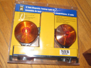 Power Fist 12 Volt Magnetic Towing Light Kit  New