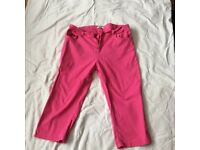 Size 20 3/4 length pink trousers