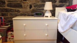Beautiful white night table in excellent condition for sale.