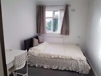 Modern Double room in Edgware-Bransgrowe Road.