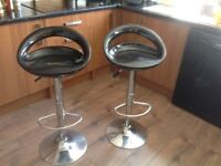 2 x black bar stools, good condition.