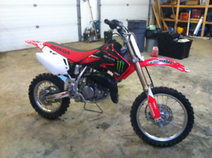 2005 honda cr85r motocross bike