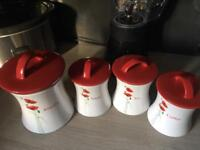 Set 4 kitchen canisters
