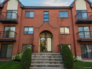 Large 4 1/2 condo for rent, in Chomedey, Laval