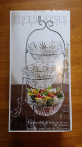3 serving bowls tiered stand