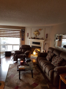 2 Bedroom Condo in-suite laundry, 2 parking spots for 167900!