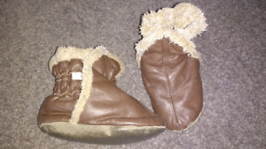 18-24 minth Leather Robeez booties $12 takes
