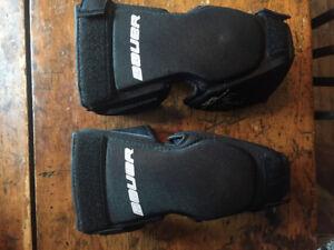 Jr. Bauer Reactor goalie kneepads