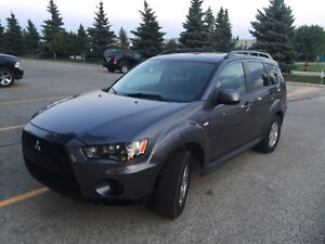 2010 Mitsubishi Outlander 4WD Clean title New safety