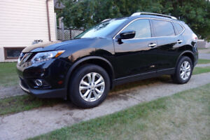 2015 Nissan Rogue SV, Purchase or Finance Takeover w/Incentive