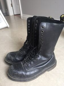 DOC MARTEN steel toe sz 8 men/10 women