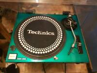 Technics Black 1210 MK2 Direct Drive Turntable + Green Sefour Dust Plate