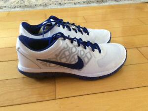 Souliers de course Nike Flex neufs,