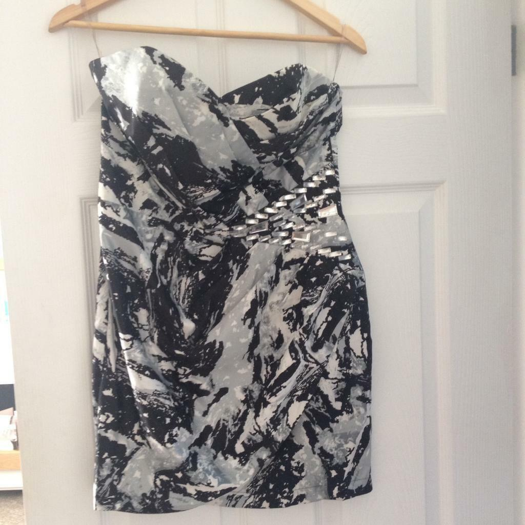 Lipsy dress black, grey, white size 12in Wigston, LeicestershireGumtree - Lipsy dress size 12 , zip back fastening £8 please contact 07535932214