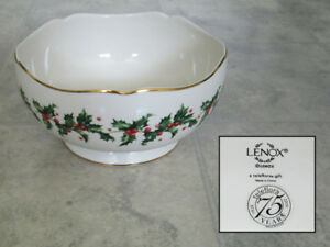 Christmas themed serving bowl