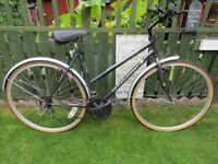 LADIES BIKE. TOWNSEND TOWN & COUNTRY, FULLY WORKING AND READY TO RIDE