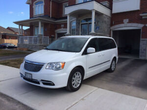 2015 Chrysler Minivan with extended factory warrenty ($3,000)