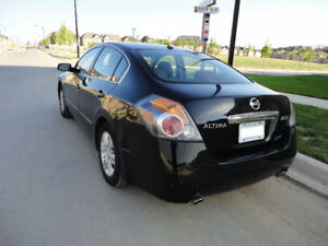 "2010 Nissan Altima 2.5-SL ""CERTIFIED"" Excellent Condition.$5500."