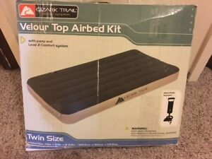 OZARK TRAIL VELOUR TOP TWIN AIRBED KIT WITH PUMP - NEW