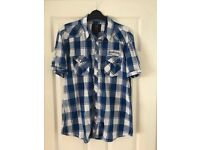 Men's short sleeved shirt - size large