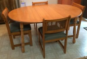 Solid Maple Dining Table & 4 Chairs