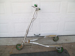 scooters/      trotinettes, fliker scooters