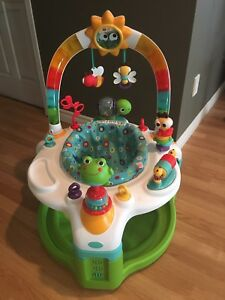 2-in-1 Exersaucer and Play Mat