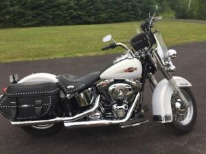 2008 Heritage Classic like new only 2494 km