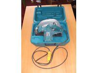 Makita 110v Circular Saw & Case . 5704R. 1200w. 190mm dia. Excellent condition.