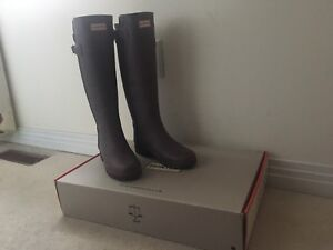 Hunter Weather Proof Boots - Adult Size 6
