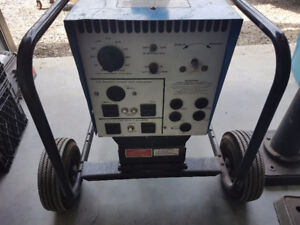 Welder / generator  180 amp 18 hp on cart