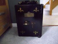 Restored antique safe, T. TEBBIT heavy old safe. ( SWINDON ) 50cm by 40cm by 40cm.