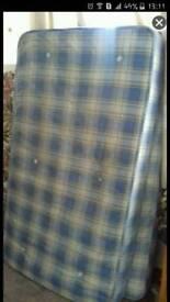Bunkbed's 2 Single mattresses