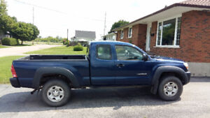 2006 4WD Toyota Tacoma Pickup Truck with brand new frame
